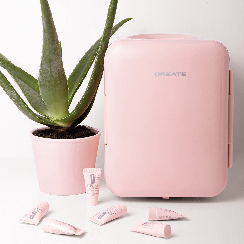 PACK CREATE & CLINIQUE - FRIDGE MINI BOX Mini Nevera para cosméticos + MOISTURE SURGE 100H de Clinique, imagen de galería 1